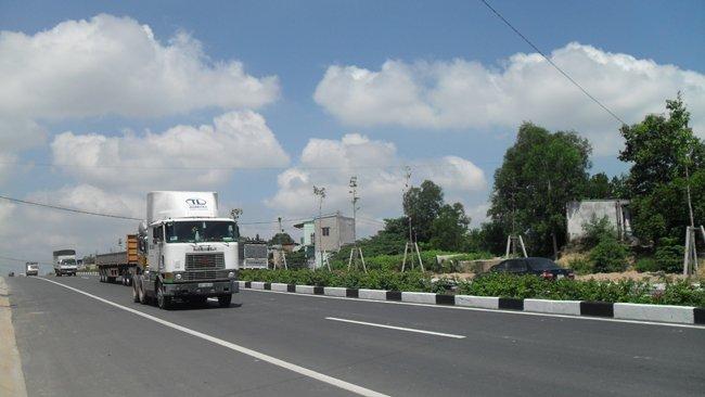 Thông xe cao tốc Mỹ Phước - Tân Vạn giá nhà đất Bình Dương tăng cao