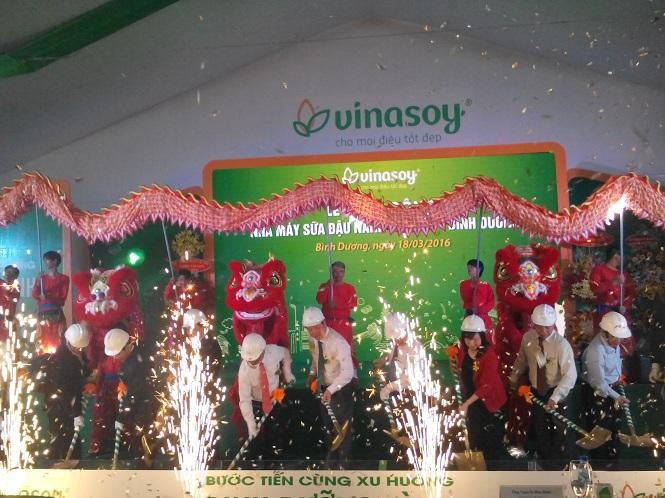 Vinasoy khởi công nhà máy sữa đậu nành 900 tỷ đồng tại Bình Dương